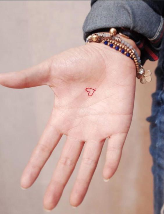 Small Heart Tattoos: 20+ Beautiful Heart Tattoo Designs That Every ...