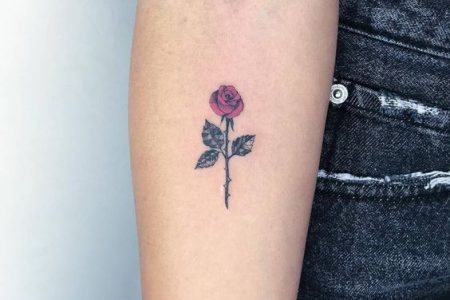 Small Rose Tattoos: 30+ Beautiful Tiny Rose Tattoo Ideas