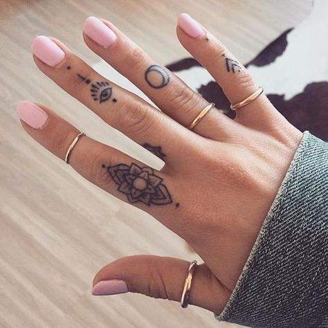 Tattooed fingers