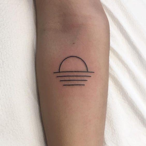 Sun Tattoo Small: Small Sun Tattoos: Discover The Most Beautiful Small Sun