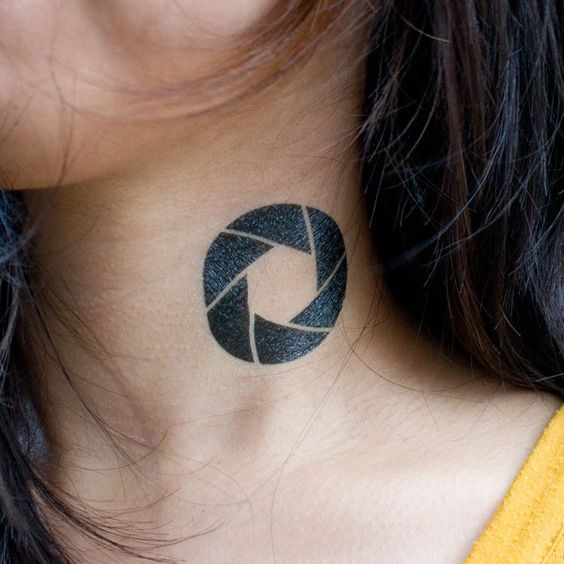 Temporary aperture ink on the neck