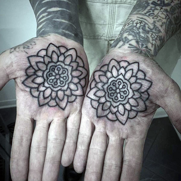 Matching outline flowers