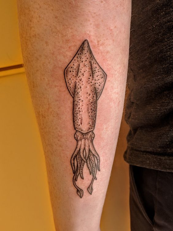 Another dotwork squid