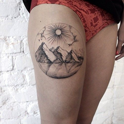 Beautiful piece on the right thigh