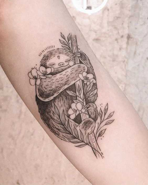 Adorable sloth tattoo by jacque lópez