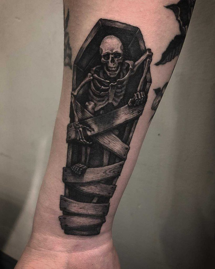 Creepy skeleton tattoo by tattooist Taesin